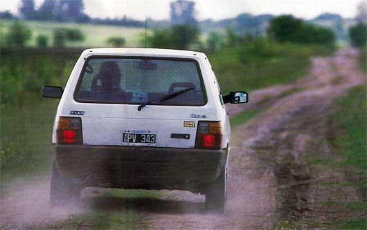 Fiat uno cl diesel 3p for Capacidad baul fiat punto